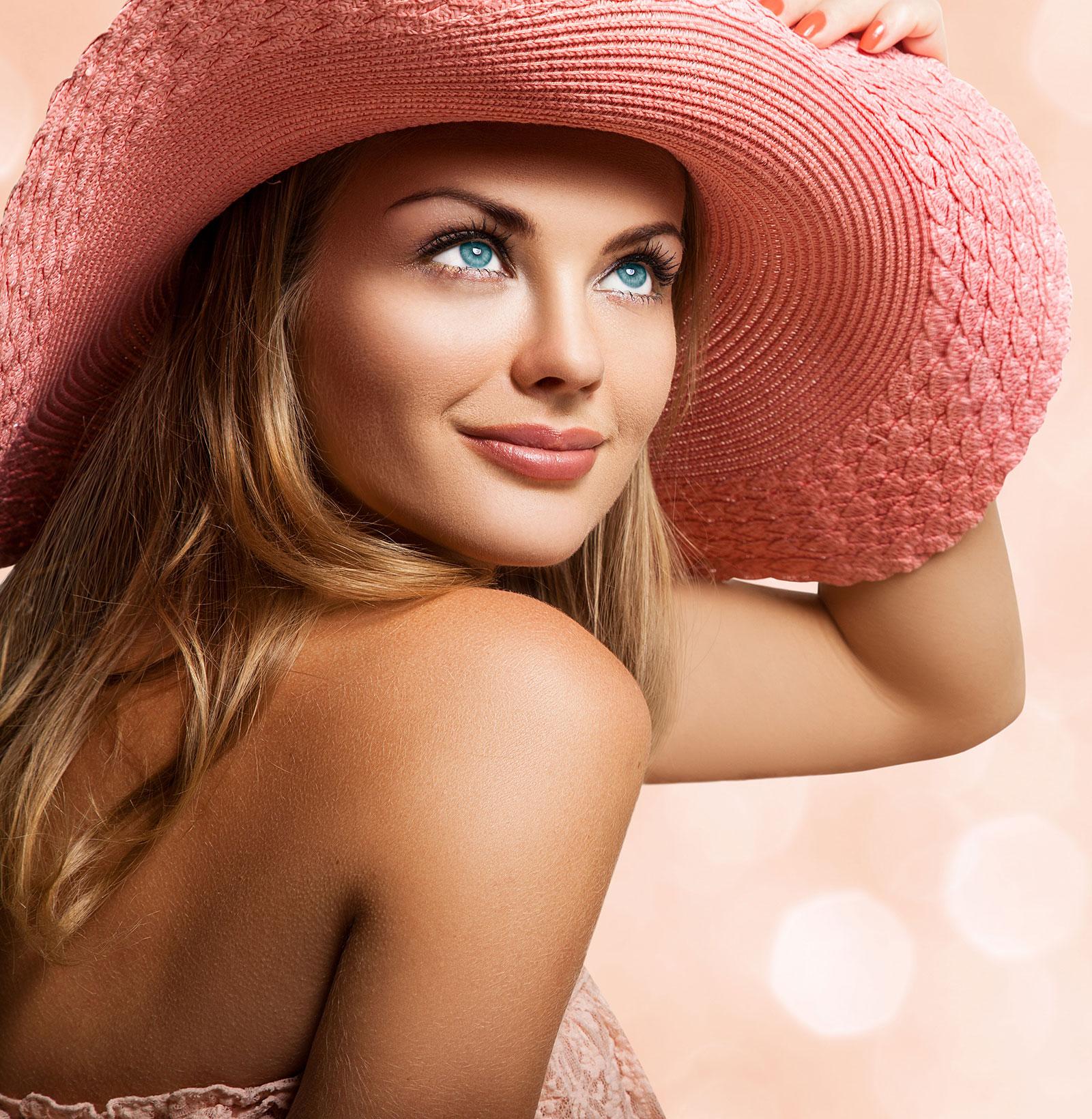Woman-Hat-Lashes-web