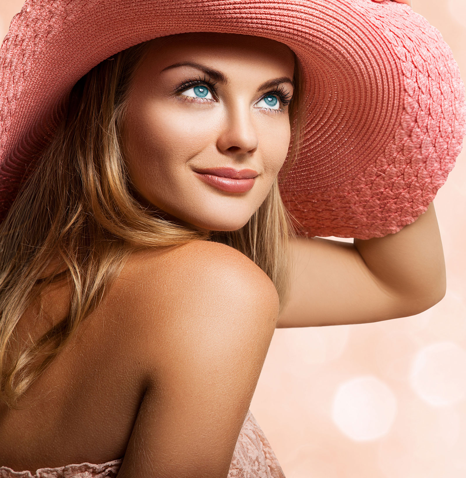 Woman-Hat-Lashes-web2